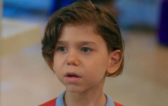 Çocuk oyuncumuz Eren Recep Bilen, Koca Koca Yalanlar Dizisi Anacastında yer almaktadır.