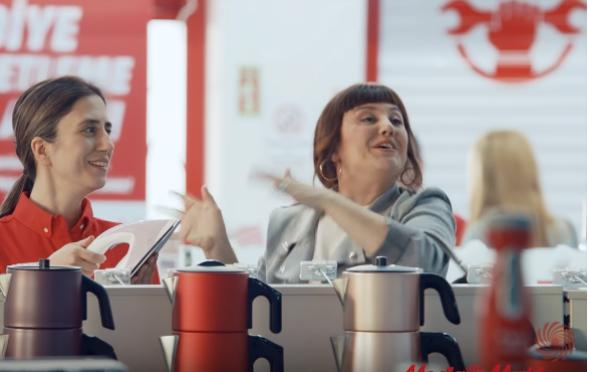 Oyuncumuz Cihan Hanım, Media Markt Anneler Günü Reklamında yer aldı.