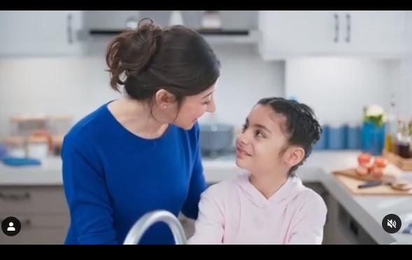 İzmir`de yaşayan çocuk oyuncumuz Ece, BİNGO reklamında rol aldı.