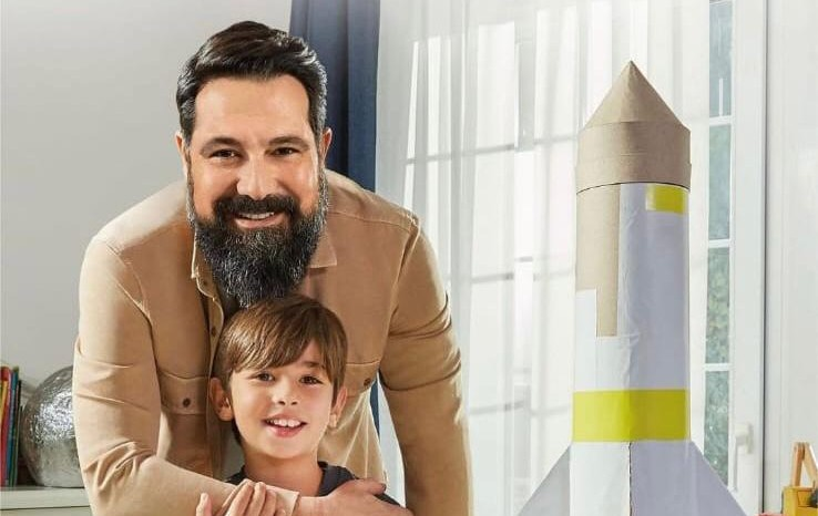 Vakıfbank Reklamında Bülent İnal'ın oğlunu canlandıran Yusuf Kerem'imizin fotoğrafları her yerde.