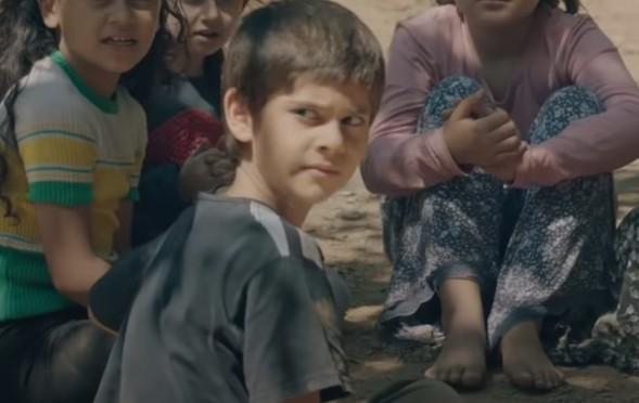Çocuk oyuncumuz Süleyman Eymen, Tv8`de yayınlanan Kırmızı Oda Dizisinde rol almaktadır.