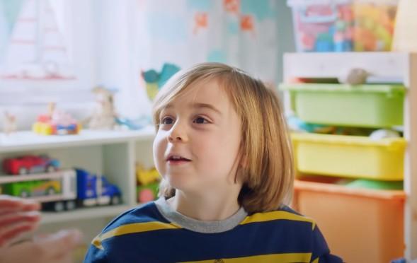 Çocuk oyuncumuz Aras`ın, Pınar Kefir`i sağlıkla için, bağışıklığınızı destekleyin Reklamı yayında.