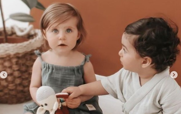 Uzaktan (online) kayıtlarımızdan tatlı bebeğimiz Arya, Totzee Çocuk Giyim markasının katalog çekiminde yer aldı.